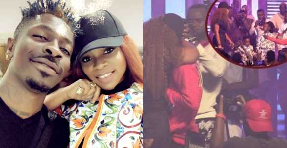 Shatta Wale proposes to long time girlfriend Shatta Michy on stage (Video)