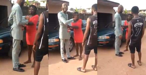 Prostitute embarrasses man in public over N5K payment In Anambra (Photos)